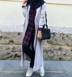 hijab fashion and hijab image - Iffath Ahmed - Styles Cool Islamic Fashion, Muslim Fashion, Modest Fashion, Girl Fashion, Fashion Outfits, Casual Hijab Outfit, Hijab Chic, Casual Outfits, Hijab Fashion Inspiration