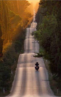 """In viaggio verso il #weekend!"" [paesaggio toscano - #Toscana cc @Patricia Nickens Derryberry Tuscany"