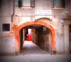 Sottoportico a Venezia
