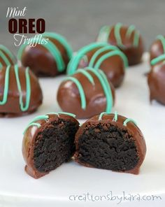 Easy No-Bake Mint Oreo Truffles: a quick and delicious treat that everyone loves! -from creationsbykara.com