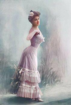 Ladies Boutique, Elsa, Cinderella, Disney Characters, Fictional Characters, Vintage Fashion, Lingerie, Fashion Outfits, Disney Princess