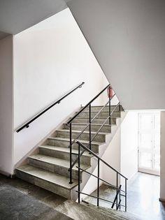 Ljus och välplanerad funkistvåa med balkong - Stadshem