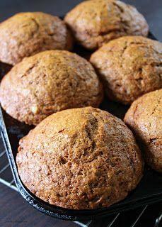 Pumpkin Muffin Recipes, Pumpkin Spice Muffins, Muffin Tin Recipes, Baking Recipes, Dessert Recipes, Fall Desserts, Jumbo Muffins, Baking Muffins, Muffin Bread