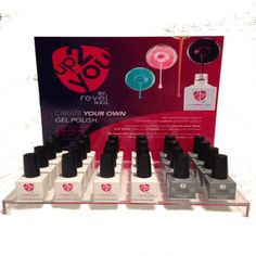 In order to prepare your nails using different nail products such as dip powder, it is vital that you should use nail brush as well as antibacterial soap in order to clean dust or even chipped polish as much as you can. Acrylic Nail Powder, Powder Nails, Acrylic Nails, Nail Care Tips, Nail Tips, How To Do Nails, Fun Nails, Dip Gel Nails, Peeling Nails