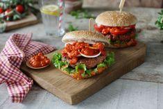 Klasický burger Salmon Burgers, Hamburger, Ethnic Recipes, Food, Essen, Burgers, Meals, Yemek, Eten