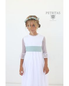 Discover recipes, home ideas, style inspiration and other ideas to try. Nice Dresses, Flower Girl Dresses, Summer Dresses, Wedding Girl, Communion Dresses, Bridesmaid Dresses, Wedding Dresses, First Communion, Kind Mode