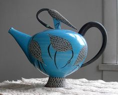 Blue Teapot - with Herons Elizabeth Maurland, Ceramic, 1998 AZUL **+ Ceramic Teapots, Ceramic Pottery, Ceramic Art, Teapots Unique, Tea Pot Set, Teapots And Cups, Tea Service, My Cup Of Tea, Oeuvre D'art
