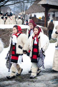 Craciun in Maramures Christmas And New Year, Christmas Time, My People, Dracula, Winter Season, Winter Holidays, Hetalia, Continents, Diana