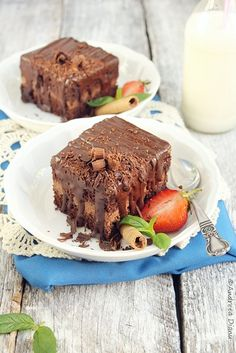 Chocolate cake with ganache cream Romanian Food, Romanian Recipes, Baking Recipes, Cake Recipes, Chocolate Ganache Cake, Something Sweet, Cheesecake, Sweets, Cream