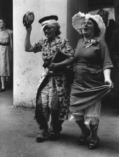 mum and aunt sally should really stay off the wine this year great celebration photo Simply Fabulous.the traditional wine festival 'hat dance'. in the street. Old Photos, Vintage Photos, Young At Heart, Lets Dance, Forever Young, Old Women, White Photography, Make Me Smile, Beautiful People