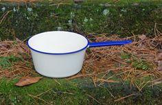 "Cream/Pale Yellow and Blue Enamelware Pan ~ 9.25"" Diameter x 4.75"" High ~ Sauce Pan ~ Holds 4 Qts. ~ Vintage Kitchen ~ Graniteware by JingleBeanFarm on Etsy"