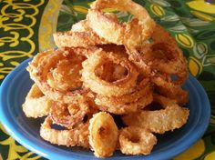 Kittencal s Best Crispy Onion Rings from Food.com:   								These make the best onion rings! try to use panko for this it will really make a difference to the texture,  use large sweet onions preferably Bermuda --- you will love these! --- I use Jim's great panko breadcrumb recipe for these Homemade Panko Bread Crumbs