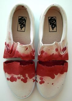 theclassyissue: Vans by Diogo Potes Moda Sneakers, Sneakers Mode, Ugly Shoes, Vans Shoes, Maquillage Phosphorescent, Tenis Vans, Mode Shoes, Unique Shoes, Custom Vans