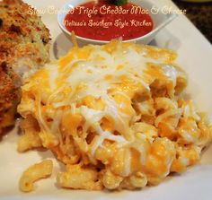 Melissa's Southern Style Kitchen: Slow Cooked Triple Cheddar Mac & Cheese