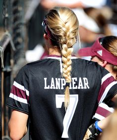 10 Braids for Every Softball Player If you're trying to find hairstyles Athletic Hairstyles, Sporty Hairstyles, Girl Hairstyles, Braided Hairstyles, Track Hairstyles, Workout Hairstyles, Hairstyles Videos, Princess Hairstyles, Wedding Hairstyles