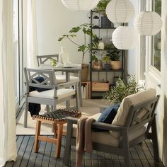 A closed balcony with space to unwind - IKEA Modern Balcony, Indoor Balcony, Small Balcony Decor, Balcony Design, Roof Design, Balcony Ideas, Balcony Bar, Balcony Furniture, Outdoor Furniture Sets