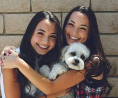 Merrell twins with tiger