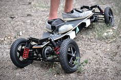 BajaBoard is an extreme off-road electric skateboard with amazing power and impressive handling on rough terrain. The skateboard is inspired by the rally, an all-terrain beast that handles partly like a snowboard and partly like a motorb Longboard Design, Skateboard Design, Bike Design, Board Skateboard, Electric Skateboard, Electric Scooter, Electric Cars, Electric Vehicle, Car Hacks
