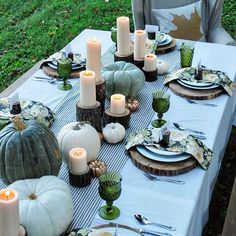 """Would love to be a guest at this fall table display by House of Splendor."""