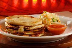 La receta de las famosas Pupusas Salvadoreñas hasta su casa. Hagalas usted mismo utilizando nuestros consejos útiles y siguiendo paso a paso nuestra guia.