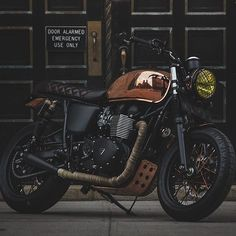 The Triumph Bonneville 'Miss Penny' is a copper plated gem. #triumph #motorcycles