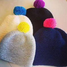 Pipoperhe vaan kasvaa! Ohjeet pipoihin löytyy Lankasataman blogista, www.lankasatama.fi #pipo #tupsupipo #hyvänmielenpipo #itsetehty #blogi #ohje #väriäelämään #lankasatama #lankakauppa #hanko Diy Projects To Try, Crafts To Do, Diy Crafts, Knitting Accessories, Handicraft, Knitted Hats, Knit Crochet, Winter Hats, Crochet Patterns