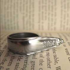 I'm pretty sure this came straight from my mums draw. Vintage Teaspoon Ring by keast design. Love it.