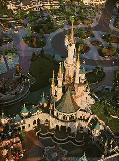 http://micechat.com/wp-content/uploads/2013/03/castleaerial-610x824.jpg    Disneyland Paris