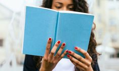 70 Books to Make You Feel Hopeful: An End-of-Year Reading List  