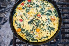 This campfire vegetable frittata is a great camping breakfast for a group. Mix and match veggies and cheese for endless flavor possibilities! Italian Breakfast, Breakfast Dishes, Breakfast Ideas, Easy Camping Breakfast, Grill Breakfast, Classic Pancake Recipe, Perfect French Toast, Coconut French Toast, Vegetable Frittata
