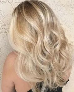 36 Beautiful Blonde Balayage Hair Color Ideas For Summer Sparkle Blonde hair models – Hair Models-Hair Styles Blonde Hair Looks, Blonde Hair With Highlights, Brown Blonde Hair, Hair Color Balayage, Blonde Color, Blonde Balayage, Summer Blonde Hair, Balayage Highlights, Blond Hair Colors