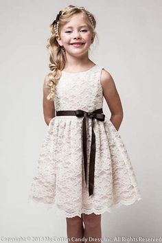 simple+lace+flower+girl+skirt   Champagne tool lace Flower Girl Dress