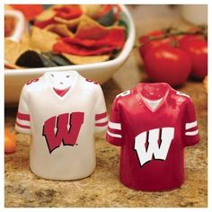 University of Wisconsin Badgers Salt and Pepper Shakers Ceramic Set