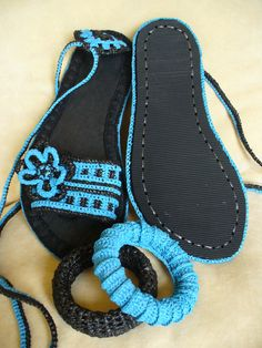 Crocheted sandals created by LeeLu