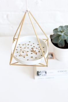 how to make a stylish, minimalist hanger to store your jewelry in