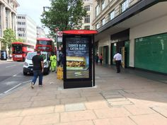 You have to #congratulate @JCDecaux_UK their new #DOOH for @TfL #busshelters have brilliant clarity #DDOHimpact