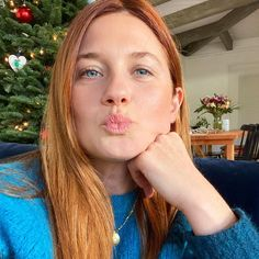 Bonnie Wright, Harry Potter Kiss, Harry Potter Characters, Mom Selfies, Scarlett Byrne, Katie Leung, Ginny Weasly, Laura Carmichael, Jessica Brown Findlay