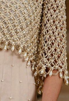 Bolero de crochet adornado con perlas   Manualidades Y DIY