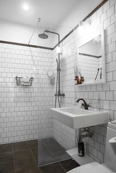 How to Do a Plumbing Inspection Prior to Buying a Home Bathroom Floor Tiles, Bathroom Renos, Bathroom Signs, Bathroom Wall, Bathrooms, Bad Inspiration, Bathroom Inspiration, Country Style Homes, Cottage Style