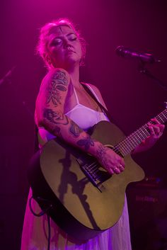 Review: Elle King charms the pants off the Varsity Theater   Local Current Blog   The Current from Minnesota Public Radio