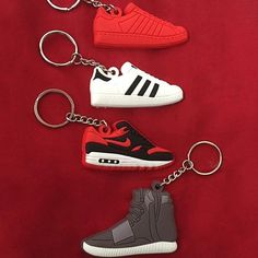 #sneaker keychain by @ascension_fashion_promotion  [ http://ift.tt/1f8LY65 ] ---------- Follow @royalfashionistluxury