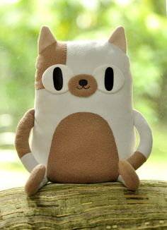 agentraybans: Cake the cat plush by Mochikaka Mrs.Agent RayBans is going to be t., agentraybans: Cake the cat plush by Mochikaka Mrs.Agent RayBans is going to be t…, agentraybans: Cake the cat plush by Sewing Machine Projects, Sewing Projects For Kids, Sewing For Kids, Sewing Crafts, Adventure Time Toys, Abenteuerzeit Mit Finn Und Jake, Diys, Plush Pattern, Cosplay Diy