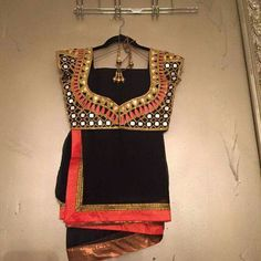 Black chiffon saree with pink border and mirror work blouse Blouse Back Neck Designs, Blouse Designs Silk, Saree Blouse Patterns, Indian Attire, Indian Outfits, Indian Clothes, Indian Wear, Mirror Work Blouse, Blouse Models