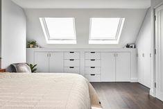 Attic Bedroom Storage, Attic Master Bedroom, Attic Bedroom Designs, Loft Storage, Upstairs Bedroom, Attic Rooms, Room Ideas Bedroom, Bedroom Loft, Home Bedroom