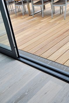 Facade drainage ensures that there is no pool of water on the terrace . - Facade drainage ensures that there are no pools of water on the terrace. Backyard Sheds, Backyard Patio Designs, Backyard Landscaping, Casa Loft, Diy Porch, Forest House, Concrete Patio, Back Patio, Patio Doors
