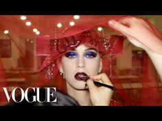How did Katy Perry, the ultimate California girl, transform into an avant-garde fashion siren for the Met Gala? This behind-the-scenes video gives a glimpse at everything it took to go from private jet to after-party, including her gala performance. Katy Perry, Fashion News, Videos, Celebrity Style, Halloween Face Makeup, Take That, Meet, Celebrities, Musica