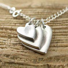 Fingerprint Jewellery Necklace! Such a good idea and a perfect keepsake.
