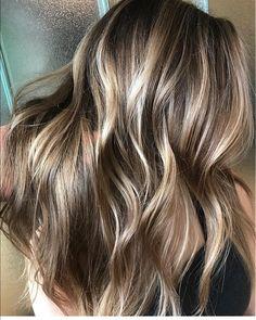 Superb hair color to try Hair Color And Cut, Brunette Hair, Balayage Hair, Bayalage, Great Hair, Hair Highlights, Fall Hair, Hair Today, Gorgeous Hair
