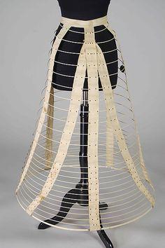 1868-70 met muse Cage crinoline