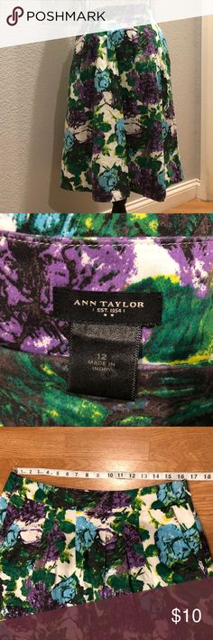 💜💚Ann Taylor Floral Skirt💜💚 Very cute Ann Taylor Floral print full skirt with pockets. Size 10  Waist: 16.5 in Length: 25 in Please look at all pictures to get better picture of skirt:) Ann Taylor Skirts A-Line or Full